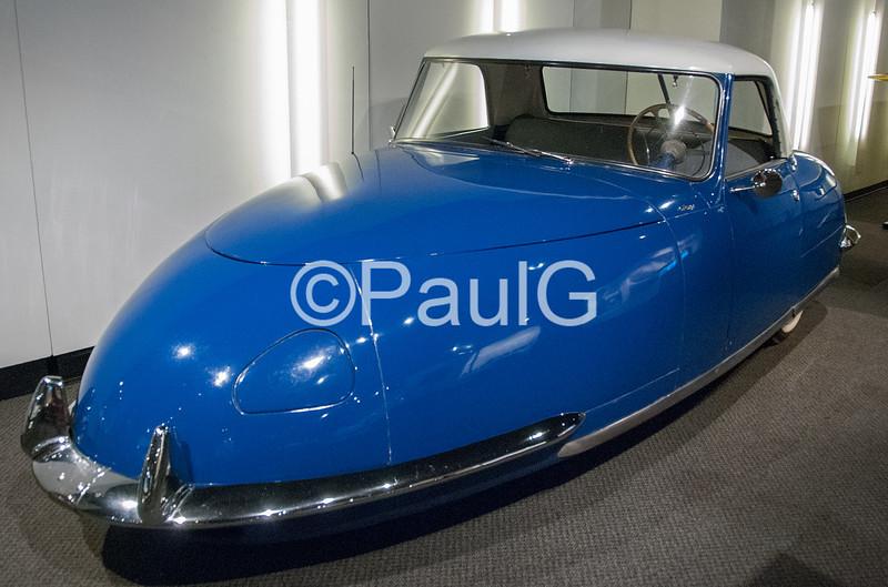 1948 Davis Divan Sedan