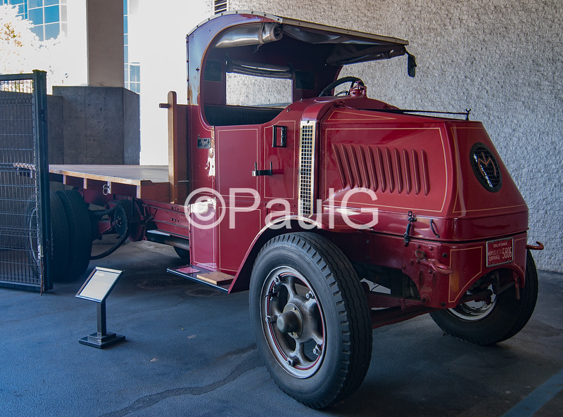 1919 Mack Bulldog Model AC