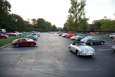 356s come and go from the headquarters hotel lot.