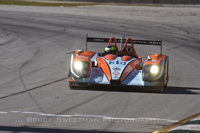 Olivier Pla took the P2 pole in the Oak Racing Morgan with a time of 1:12.046.