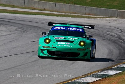 The Falken Porsche GT3 RSR negotiates turn 12 during GT qualifying.