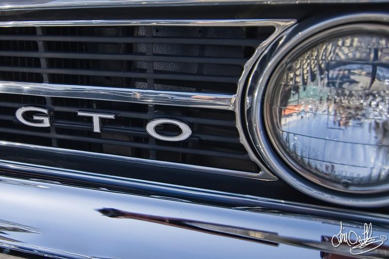 1964 Pontiac GTO<br /> Belmont Shore Car Show 2010