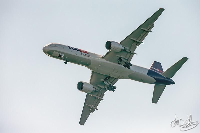 FedEX Express jet