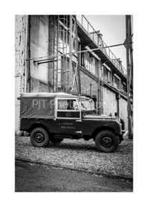 Land Rover 90 Series II Black and White