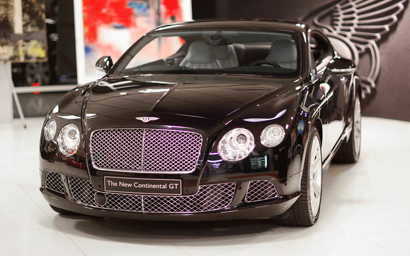 BentleyCGT_11Mar2011_11