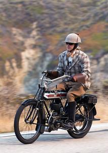MOTORCYCLE PEBBLE TOUR