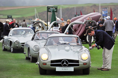 MERCEDES GULLWINGS ARRIVE