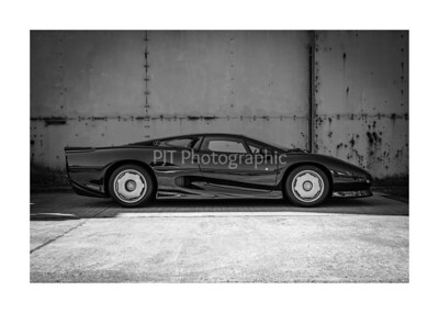 Jaguar XJ220 Black and White