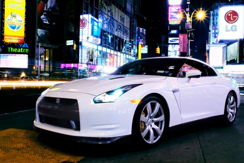 image 6: Nissan GT-R