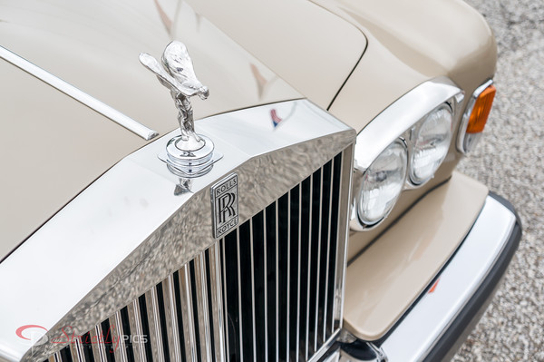 Rolls Royce - Great wall art for automotive businesses or for the classic car aficionado!