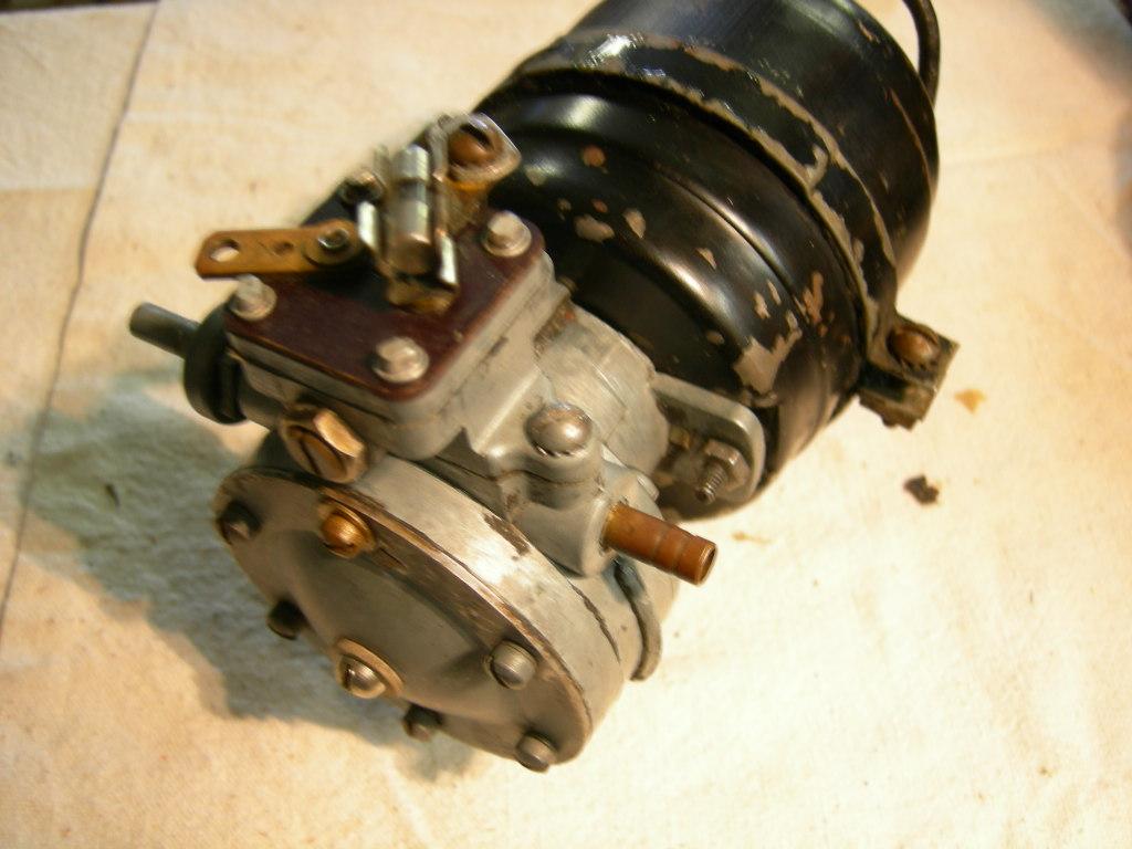 1940 -1955 chevrolet cadillac oldsmobile trico electro-vac PUMP (a ev105)