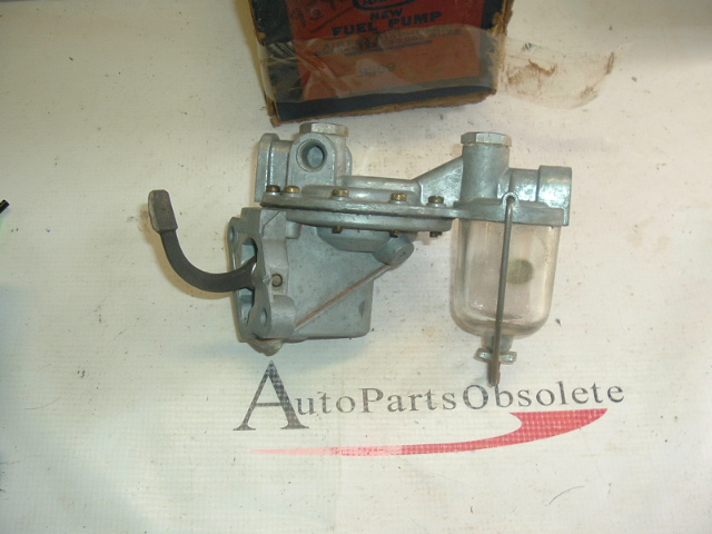 1948 -55 Diamond T truck fuel pump (a 9309 )
