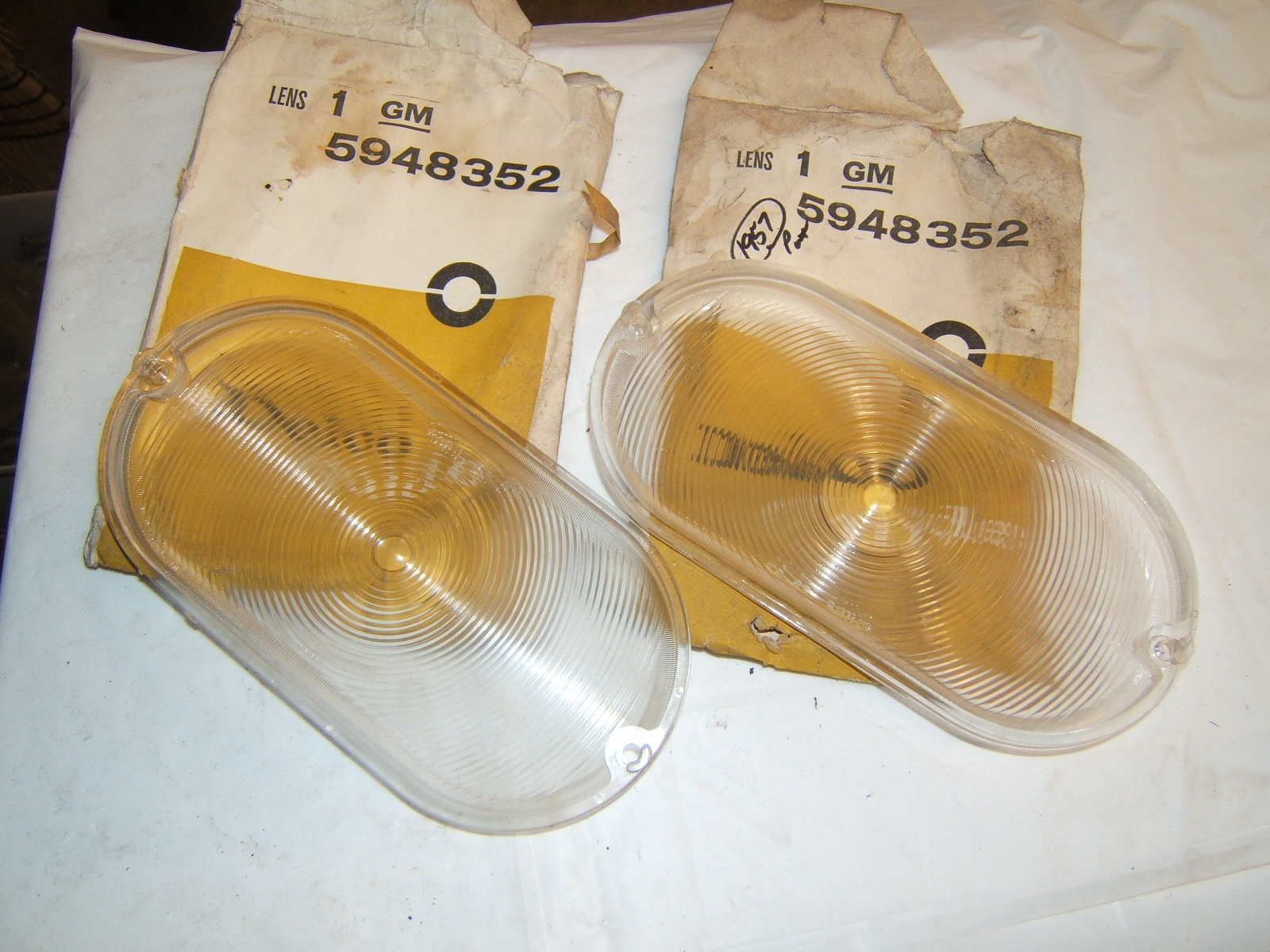 1957 Pontiac Parking lamp lenses pair nos 5948352 (a 5948352)