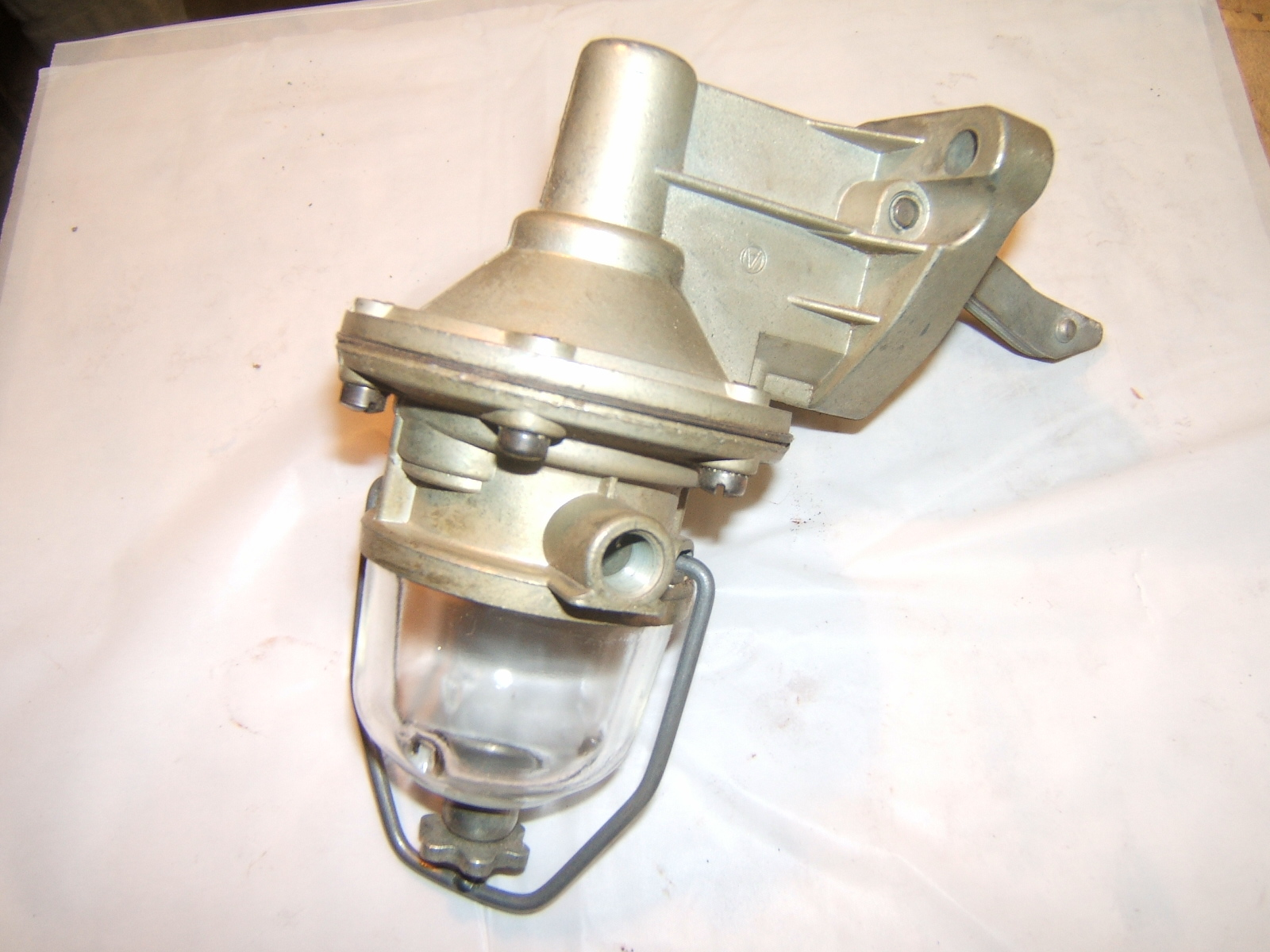 1941-65 IHC International truck fuel pump 9501 (a 9501airtex)