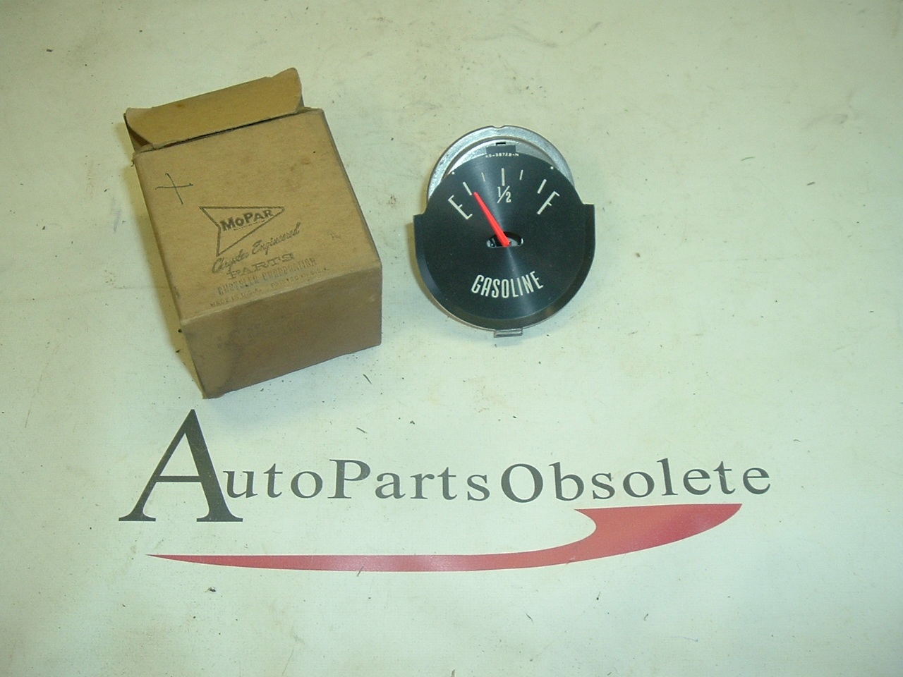 1962 Plymouth Fuel gauge nos 2257205 (a 2257205)