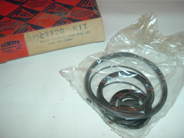 1961 Chrysler Imperial Steering Gear Seal Kit NEW (S 1093)