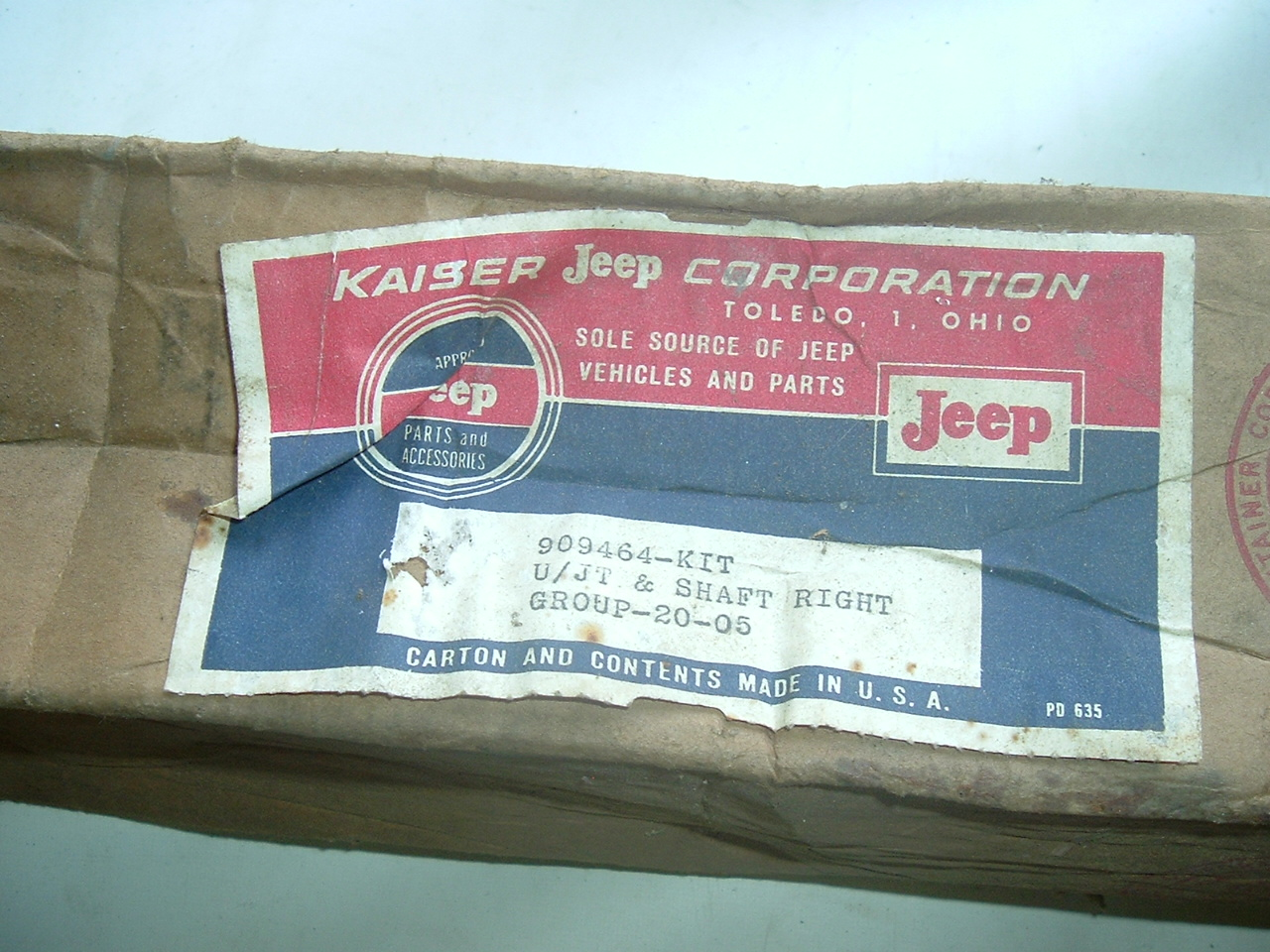 1946 -1964 -Jeep Truck & Station wagon front axle shaft w/ u joint nos 909464 (a 909464)