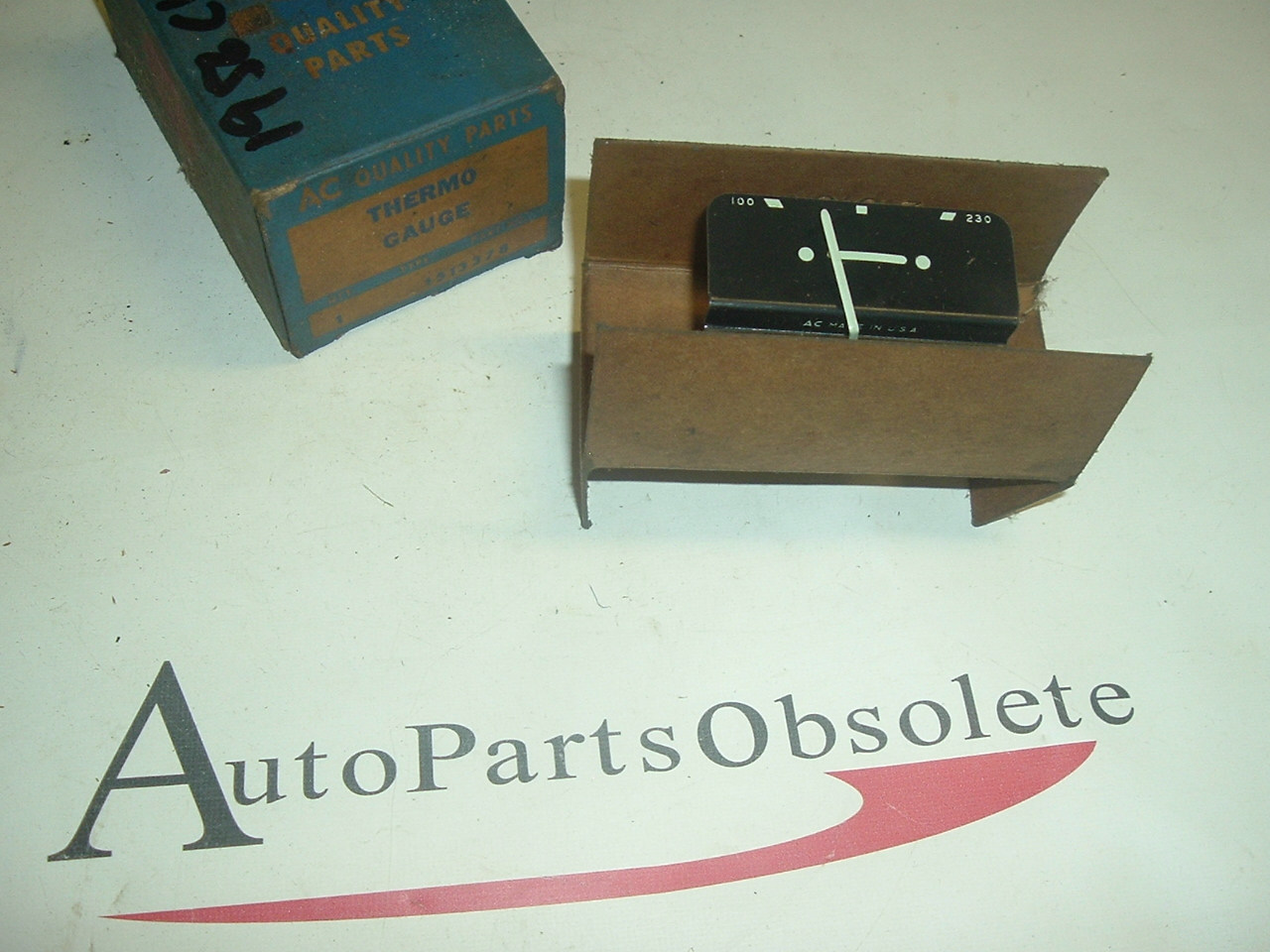 1956 Chevrolet temperature gauge nos 1513378 (a 1513378)
