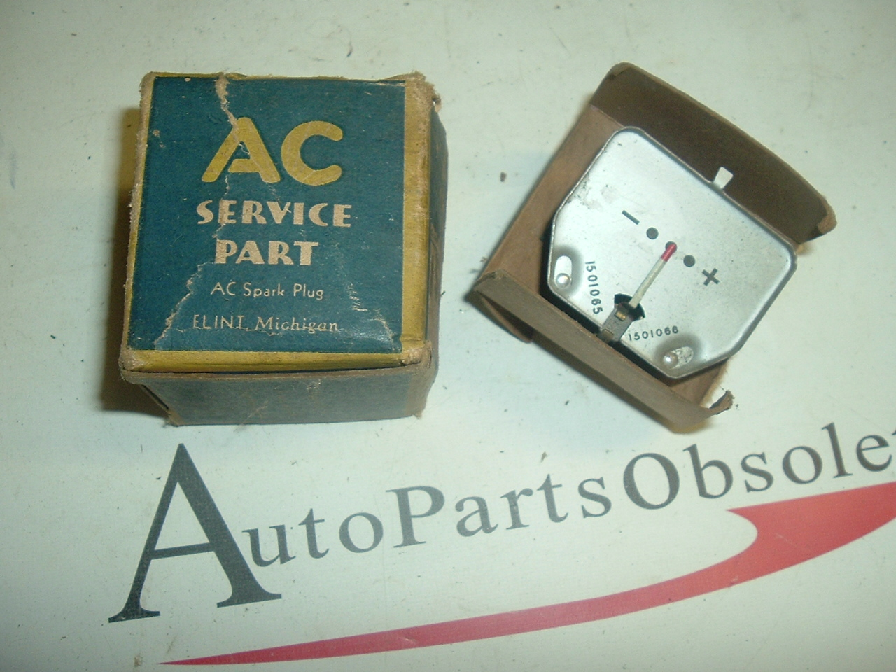 View Product1947 Pontiac temperature gauge nos 1511874 (a 1511874)