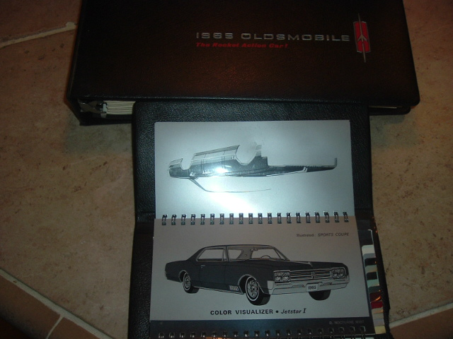 View Product1965 Oldsmobile Dealer Color & Fabric Showroom Book (a 65oldbooks)