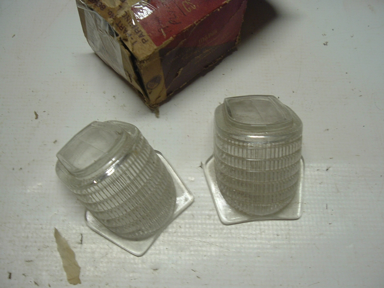 1941 Plymouth standard deluxe park lamp lens pair 866489 (a 866489)