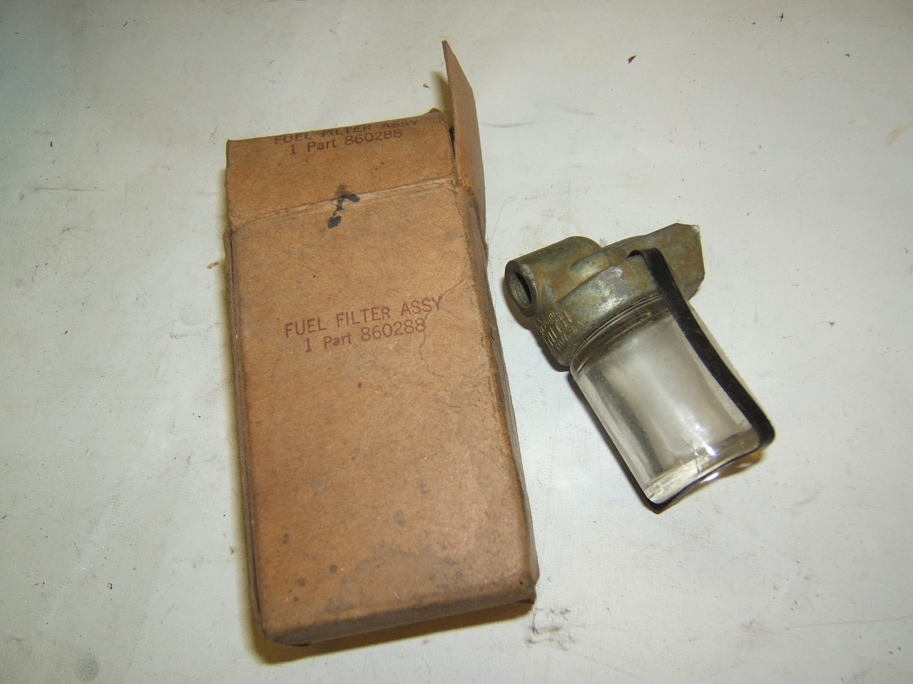 1940 up Dodge Chrysler Plymouth Desoto fuel filter nos 860288 (a 860288)