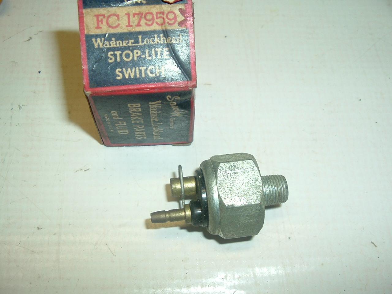 1953 1954 Chrysler Desoto Dodge Plymouth Hydraulic brake switch (a fc17959x)