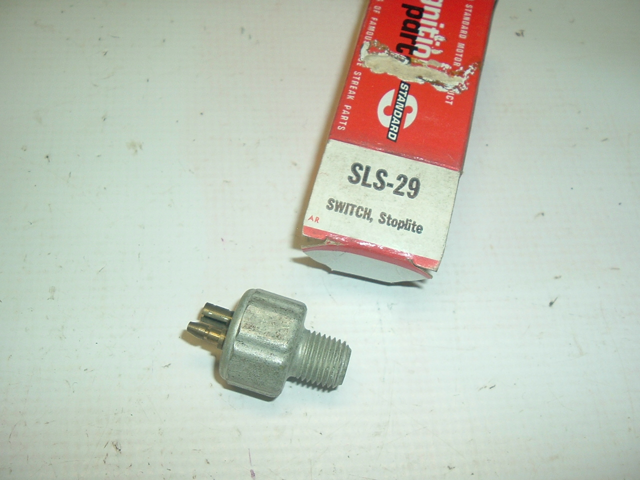1955 56 57 58 59 60 61 Chrysler Desoto Dodge Plymouth Hydraulic brake switch ( a sls29)