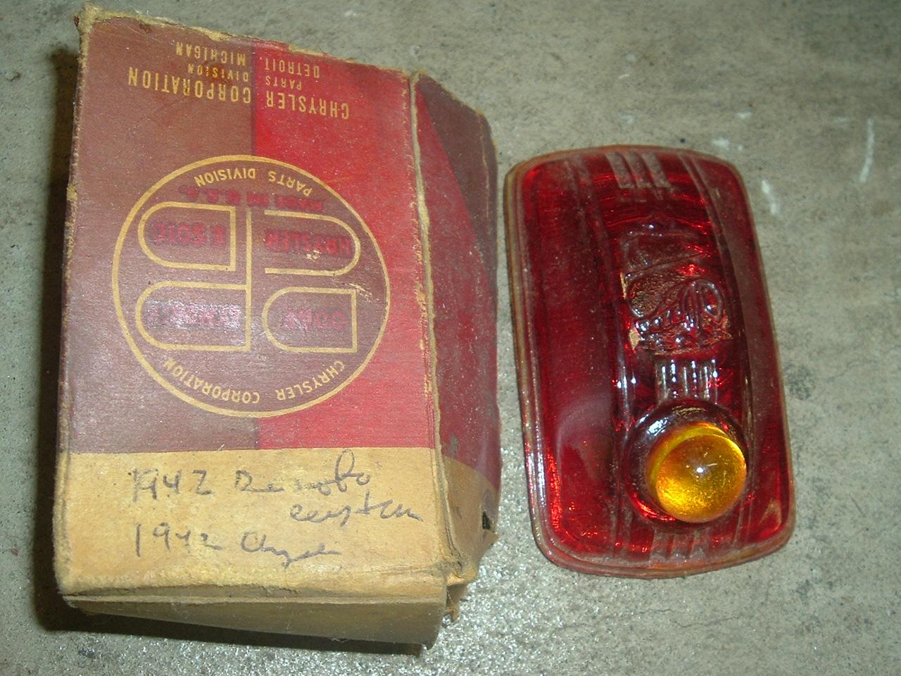 1942 -48 Desoto Chrysler lisc lamp lens 974935 (a 974935)