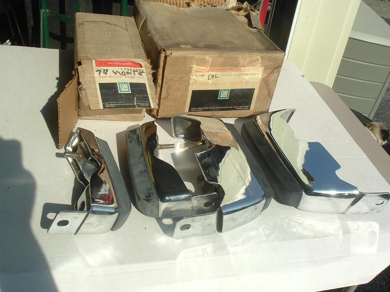 1974 Chevolet Monte Carlo bumper gards nos set/4 994585 994599 (a 994585 994599)