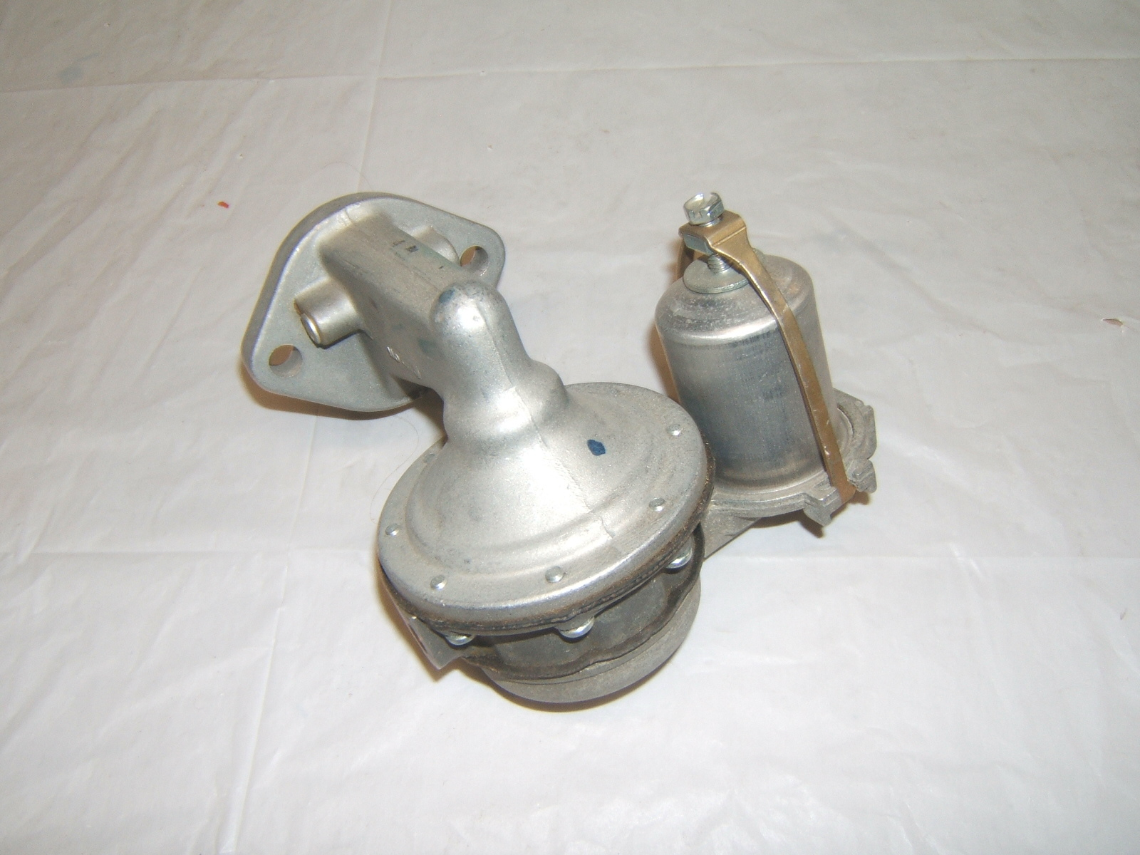 1937 -68 International truck fuel pump new m2213s 4877 580 (a m2213w)