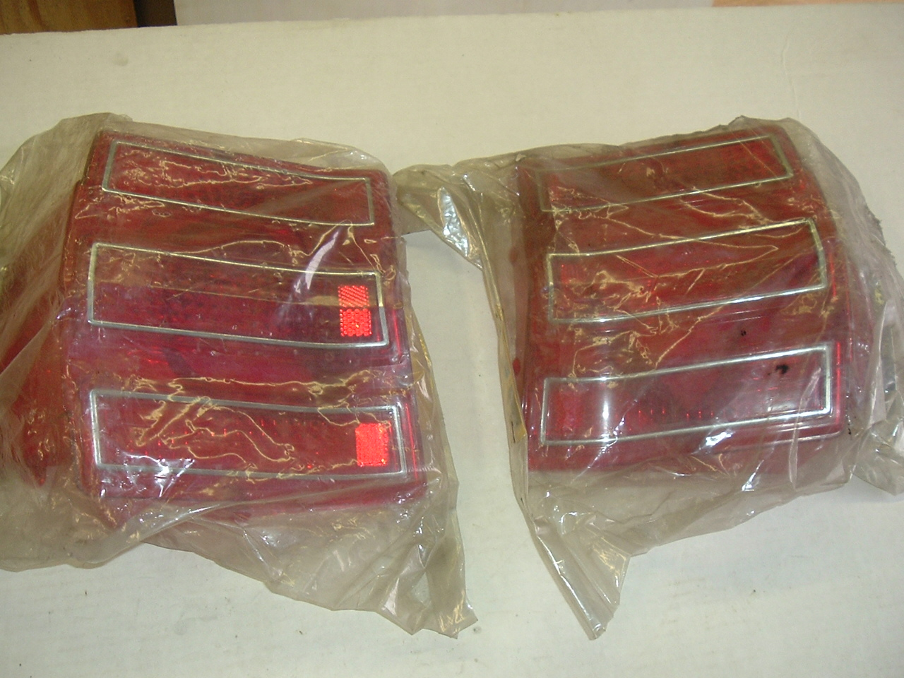 1968 AMC Rebel tail lamp lens pair nos 3208816 3208817 (a 3208816 17)