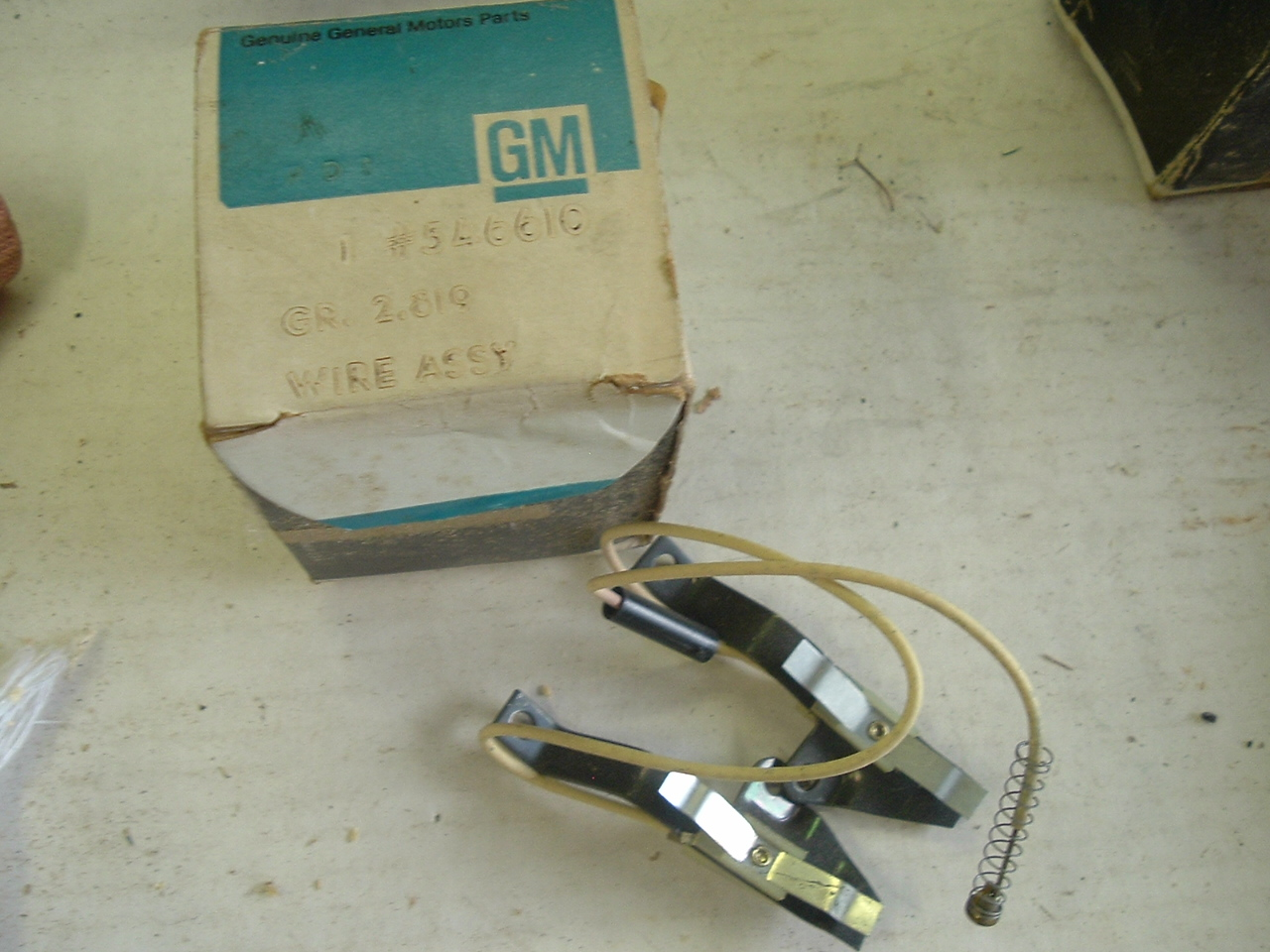 1971 72 73 Pontiac Horn contact switch 546610 (a 546610)
