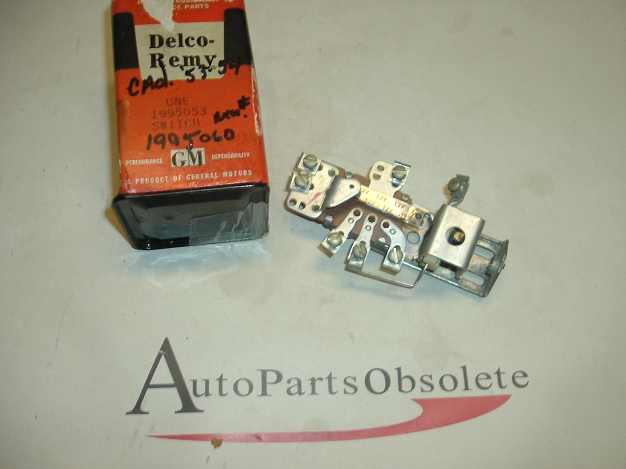 1953 1954 Cadillac Headlight switch nos 1995053 (a 1995053)