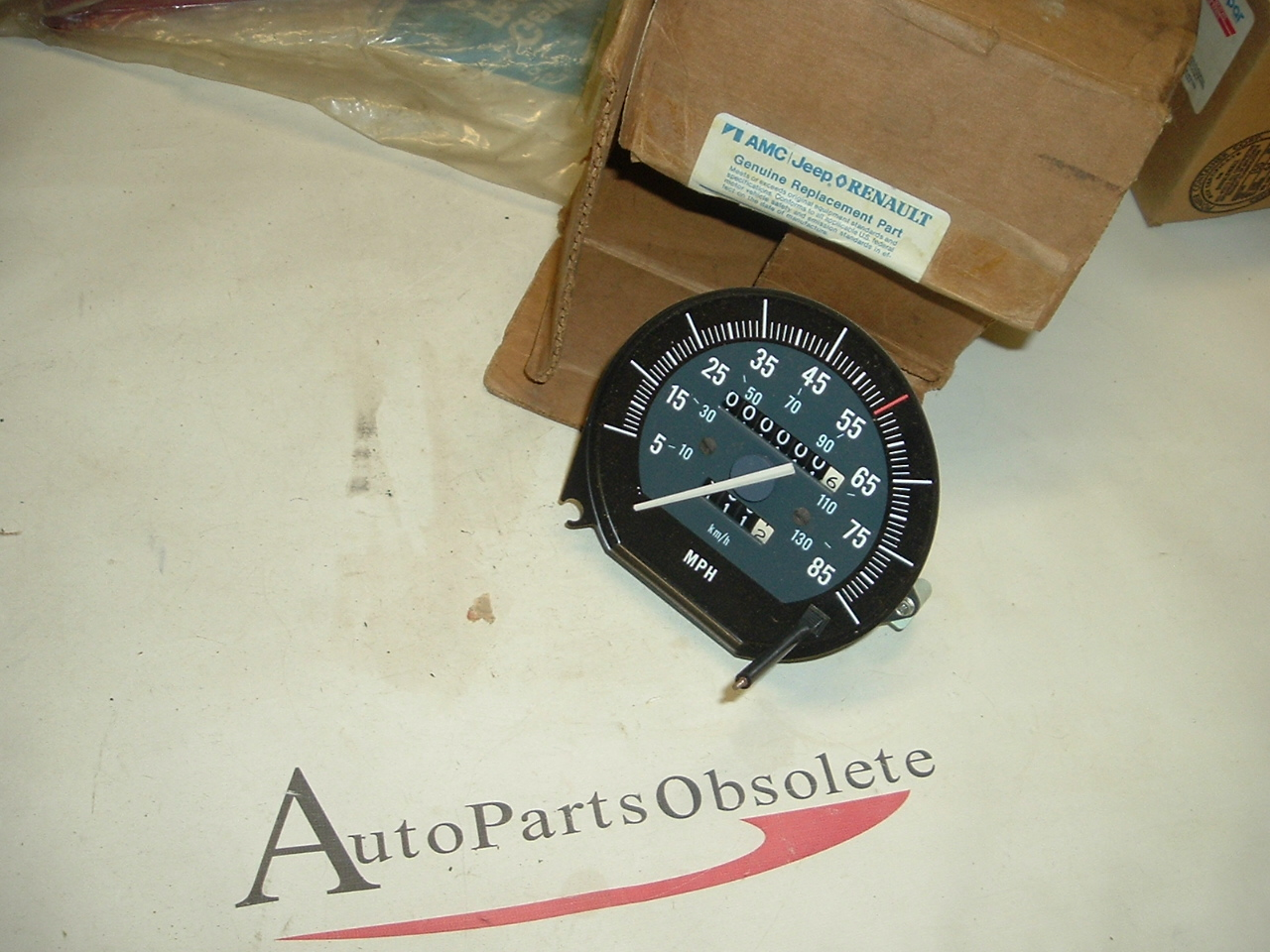 1987 88 89 90 Jeep Cherokee Wagoneer speedometer nos 8993500294 (a 8993500294)