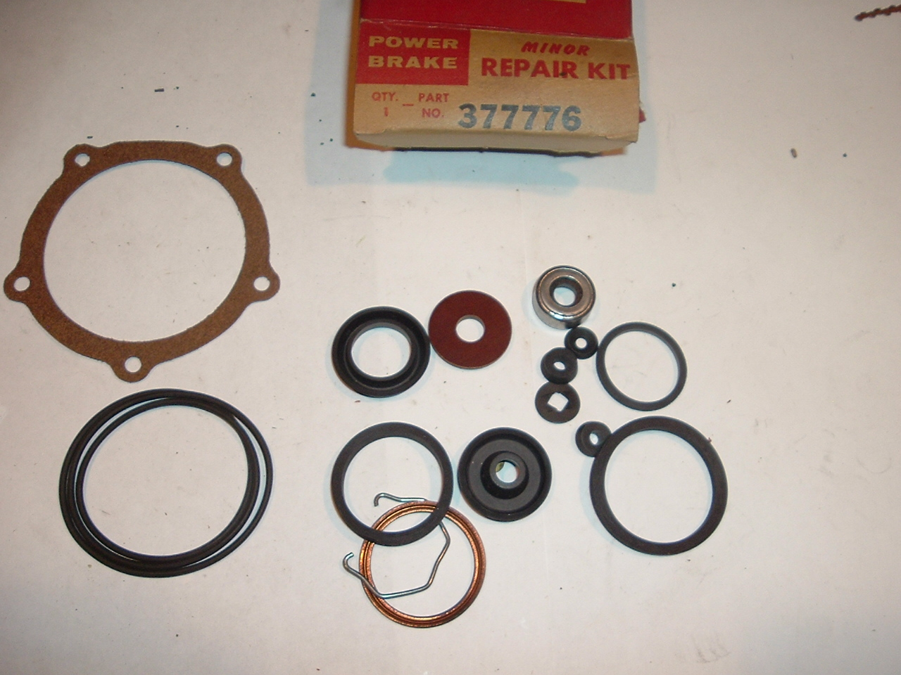 1953 1954 Cadillac power brake minor overhaul kit Bendix (a 377776)
