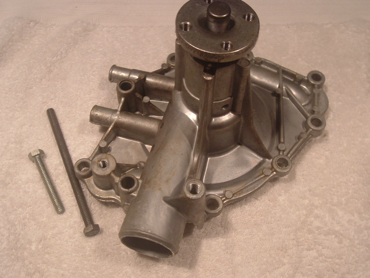 1962 63 64 65 Ford new water pump usa made 221 260 289 v8 (a fp1335)