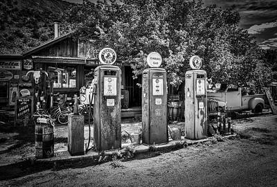 Embudo Gas Museum B&W