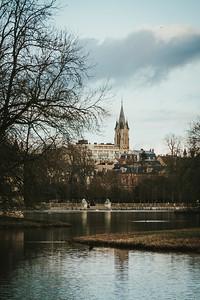 L'église depuis le parc de Chateau
