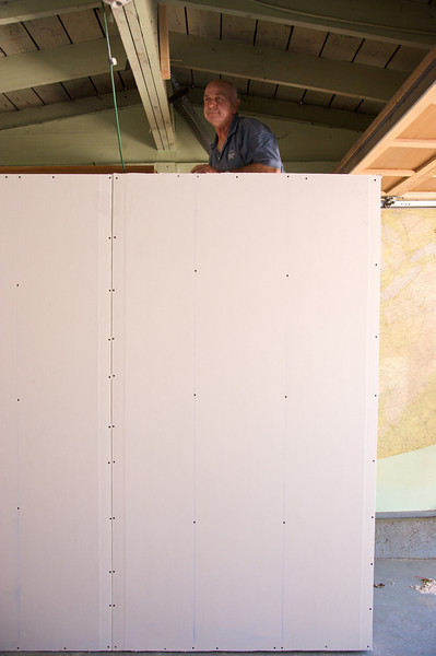 Big thanks to Jerry who helped us greatly with creating our walls!