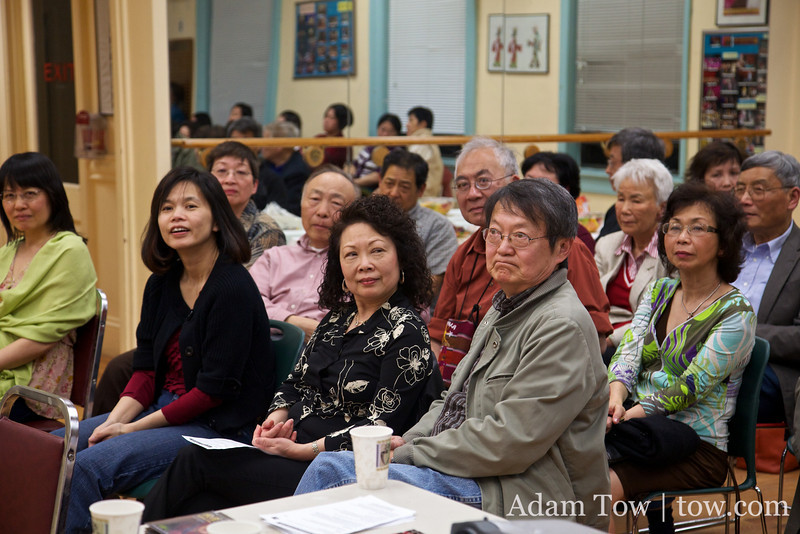 Most of the attendees were from our parents' generation and were familiar with the story of Qiu Jin.