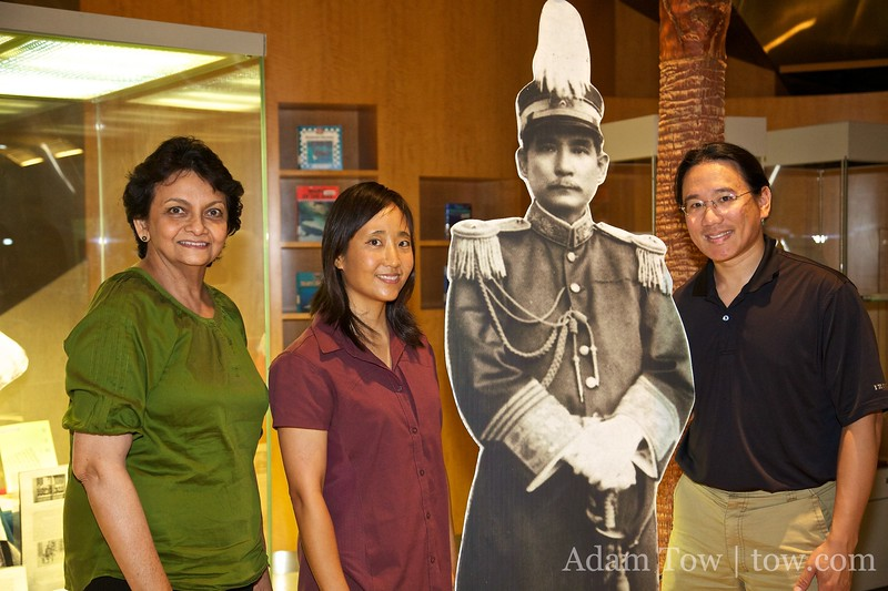 Hanging out with Sun Yat-Sen and librarian Padmimi.