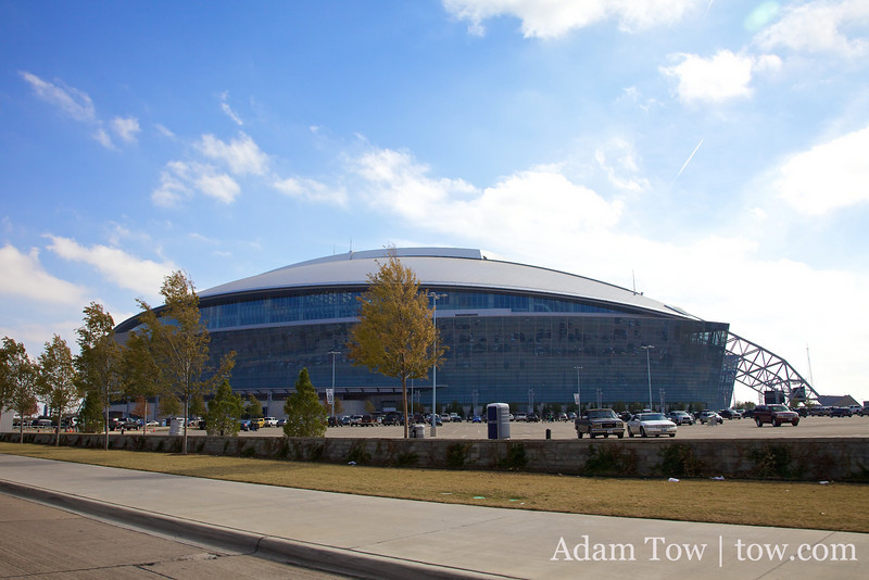 """The term """"Everything is bigger in Texas"""" also applies to its sporting stadiums. Here's the Dallas Cowboy's new stadium in Arlington, home of the 2010-2011 Super Bowl."""