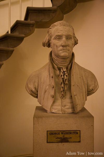 Bust o George Washington.