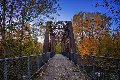 Snoqualmie Trail Ped Bridge Fall Early October Morning