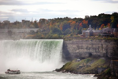 Horseshoe Falls in Autumn