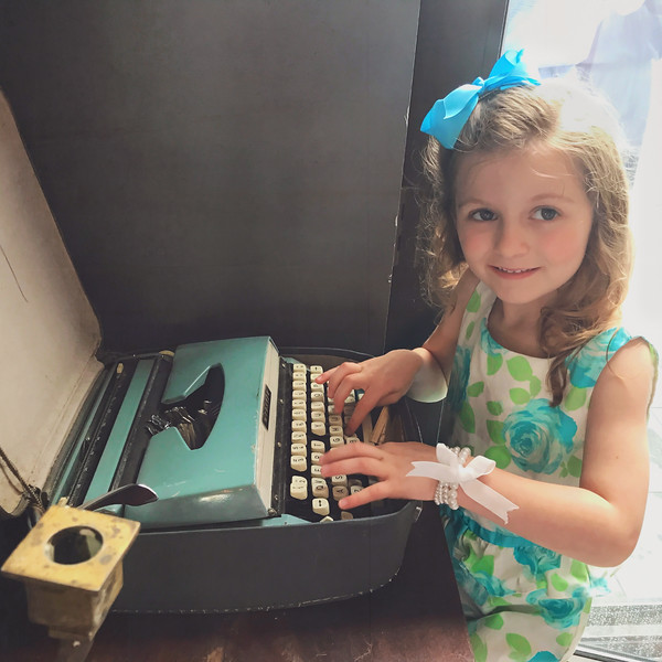 2017 May 12      Ava and the old typewriter