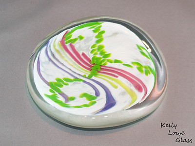 """Dotted Lines Glass Paperweight - Red Orange and Green Lines - Picture 1/2  Widest Point: Approx 14cm (5.50"""") Height: Approx 2cm (0.79"""") Weight: Approx 760g (1.68 lbs)"""