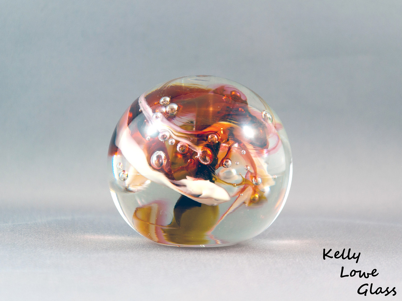 Glass Paperweight:  Widest Point: 8.5cm Height: 7.5cm Weight: Approx 772g.