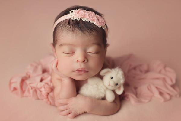avaleen faith newborn